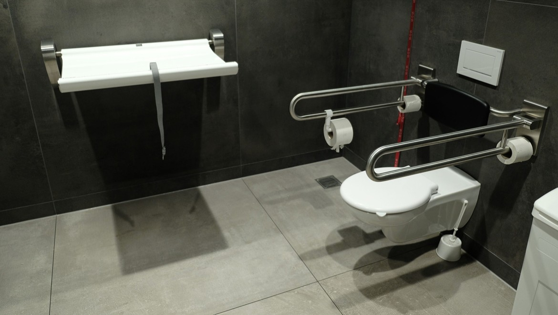 Verlängerte Ausladung des Vitalis Wand-WC