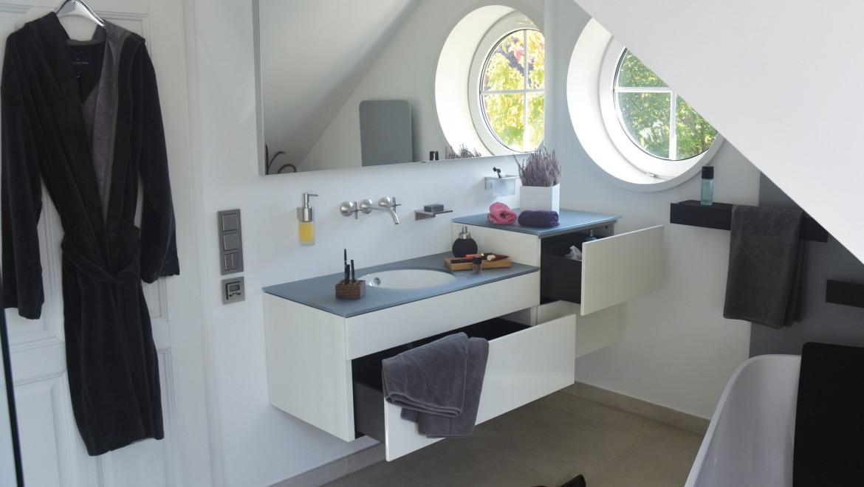 Klare Strukturen, pflegeleichte Oberflächen, familientauglich mit hohem Design-Anspruch
