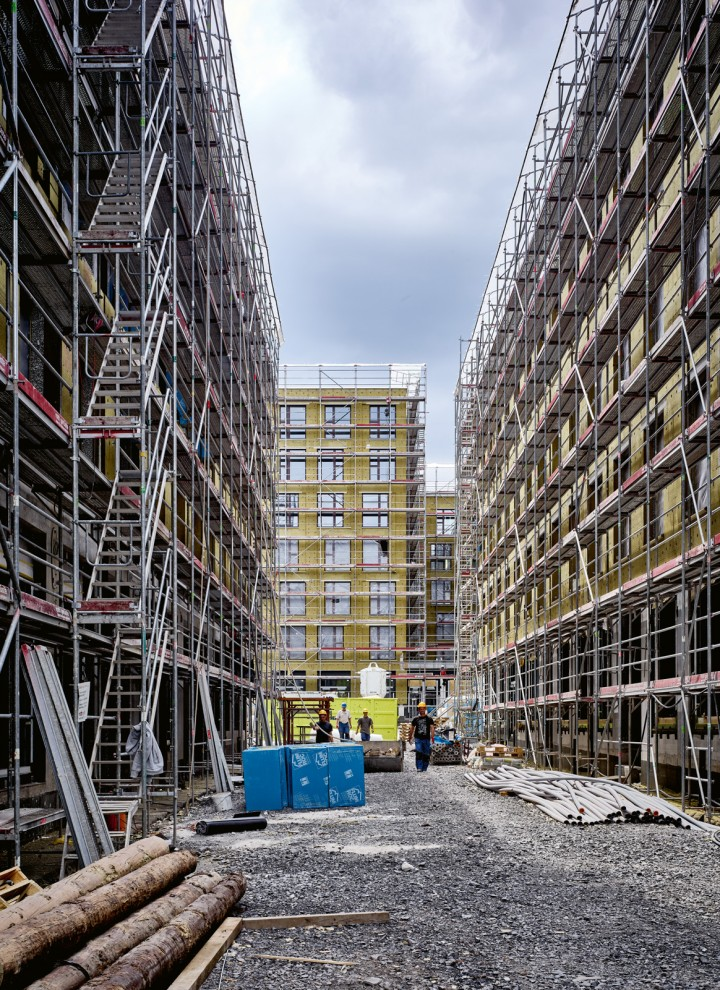 In diesem Neubaukomplex in der Schweiz entstehen nicht nur Shoppingflächen und Büroräume, sondern auch mehrere Hundert neue Wohnungen.
